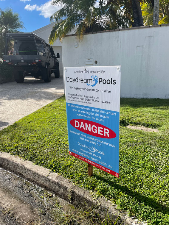 construction-sign-daydream-pools